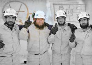 """""""Hasta la fecha, hay sobre 2.700 voluntarios en 110 puestos de defensa civil a lo largo del norte de siria, entrenados y equipados con ayuda de la financiación de RU… los 'cascos blancos' como ellos son más comúnmente conocidos""""."""