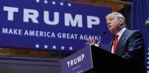 """Pero más allá del increíble nivel de estupidez que debe tener una población para tragarse semejante patraña, lo que nos llama la atención es su mensaje ultranacionalista. Digámoslo claro: Donald Trump encarna la prepotencia norteamericana en estado puro. Su mensaje es """"hacer de nuevo grandes a los EEUU"""" (Make America Great Again); es """"EEUU lo primero"""" (America First; algo así como el """"Deutschland über alles"""")"""