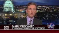 El director ejecutivo de la FDD, Mark Dubowitz, incluso ayudó a diseñar el régimen de sanciones contra Irán y sus ventas de petróleo que se puso en marcha en 2010.